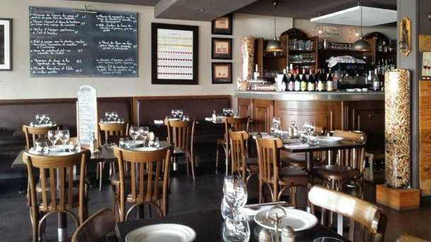 Le bistrot quai restaurants saint laurent du var nice city life - Bistrot du port nice ...