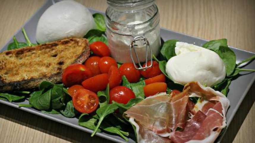 Nice - Via Verde Salad & Mozzarella Bar