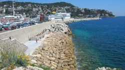 Rauba Capeu, le bord de mer