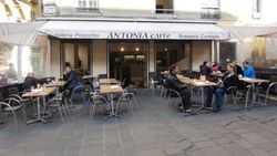 L'Antonia Café