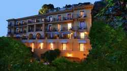 Hôtel La Pérouse ****